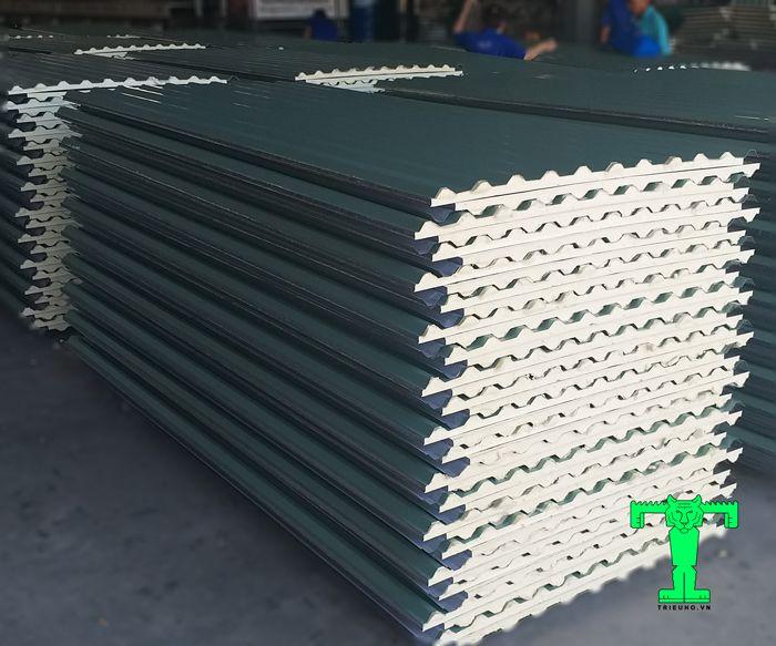 Tôn cách nhiệt tại Đà Nẵng là vật liệu chống nóng thông dụng và  hiệu quả nhất