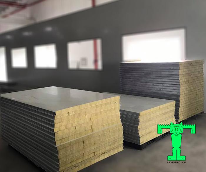 Tấm Panel Rockwool 3 lớp tôn nền dày 0.40mm + Rockwool 100mm 120kg/m3 + tôn 0.40mm ưu điểm nổi bật