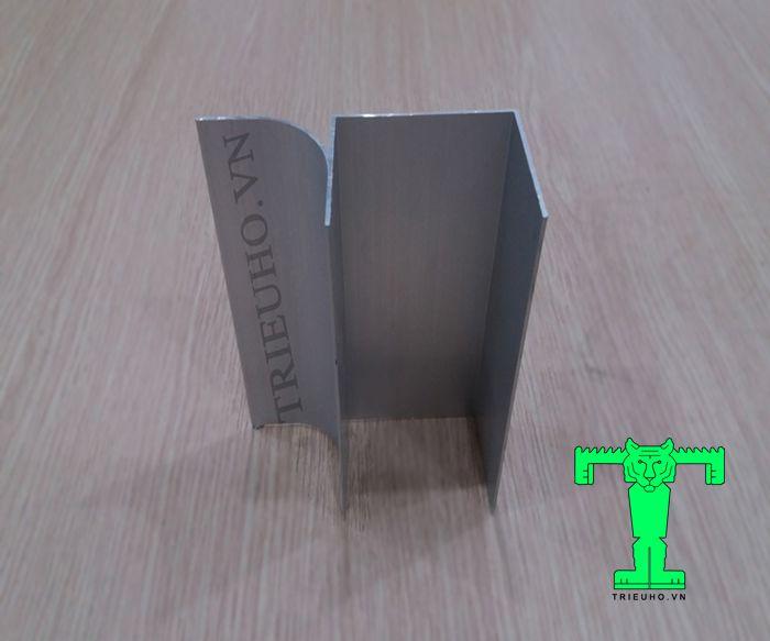 Thanh nhômU50 cánh đơn sử dụng cho vách Panel dày 50mm