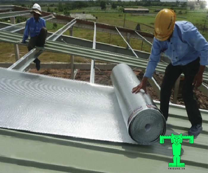 Tấm cách nhiệt Cát Tường có thể phản xạ nhiệt tới tận 97% khi thi công vị trí mái công trình