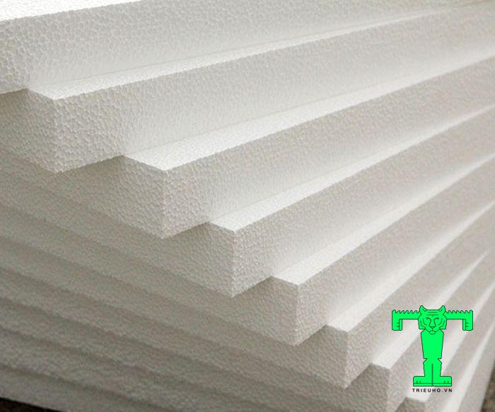 Xốp EPS dùng cách nhiệt cách âm cho tường, trần, mái. Thậm chí nó còn được dùng làm tấm lót khi đổ sàn bê tông…