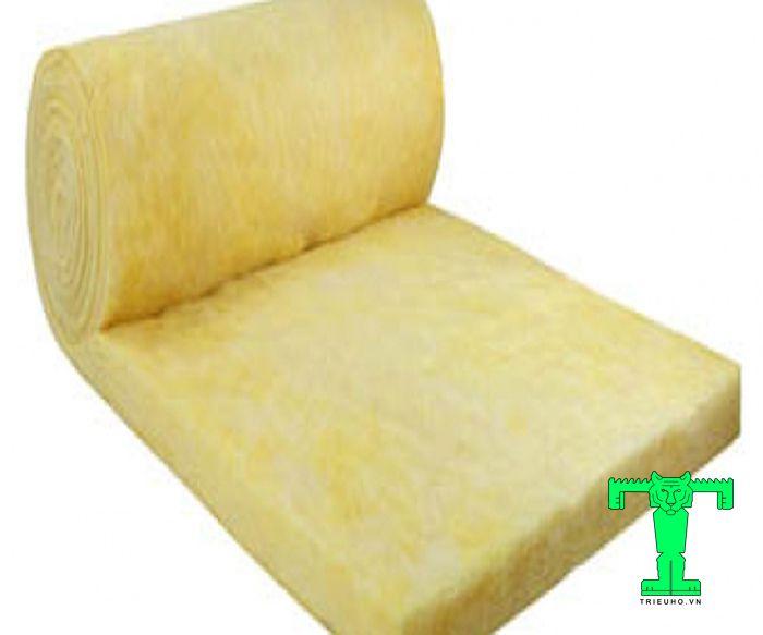 Glasswool 32kg/m3 không bạc dày 25mm được gia công dạng cuộn dài 20m, rộng 1.2m, màu vàng