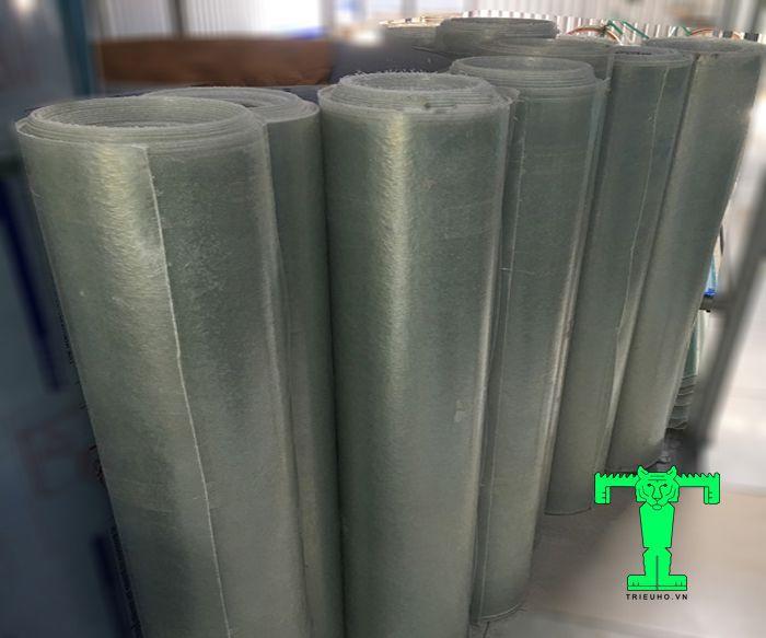 Tấm lợp lấy sáng Composite dạng phẳng dày 0.8mm khổ 1200mm có nhiều ưu điểm nên thường được dùng nhiều trong các công trình