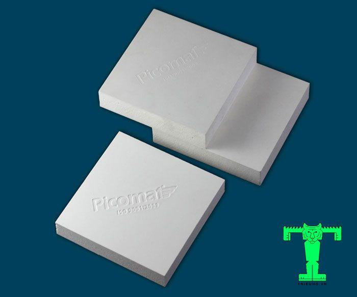 Ván nhựa Picomat là vật liệu dạng tấm. Nó được tạo thành từ thành phần chính là Polivinyl Clorua hay còn gọi là bột nhựa PVC.
