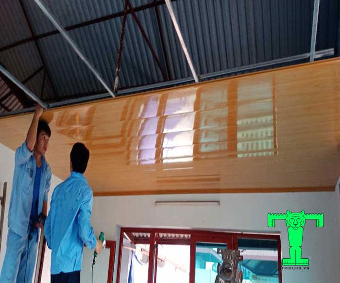 Cách đóng trần tôn PU, 3 lớp cách nhiệt đơn giản, chuẩn kỹ thuật dưới đây hy vọng bạn sẽ tự thi công được mà không cần gọi thợ