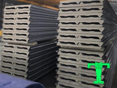 Tôn cách nhiệt Hoa Sen 3 lớp tôn nền dày 0.45mm + PU + tôn 0.35mm