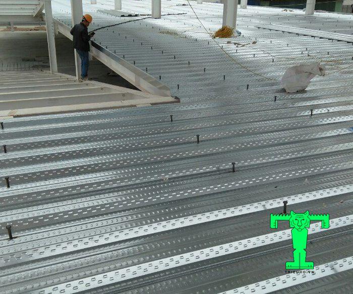 Sàn deck h50w1000 dày 0.75mm chịu được tải trọng lớn, độ bền cao, tiết kiệm được nhiều chi phí
