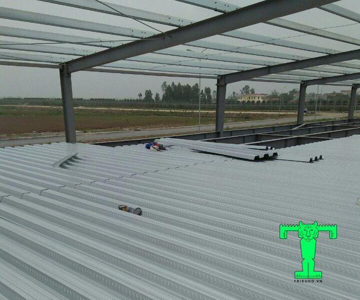 Tấm sàn deck dày 0.95mm được ứng dụng nhiều công trình xây dựng