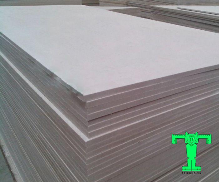 Tấm cemboard duraflex Việt Nam dày 16mm có tỉ trọng tấm nhẹ nên rất dễ dàng vật chuyển, tính toán lắp đặt thuận lợi và thi công dễ dàng