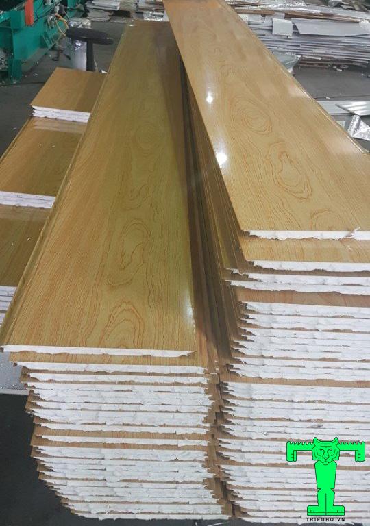 trần tôn giả gỗ có độ bền cao