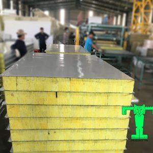 Tấm Panel Glasswool 3 lớp tôn nền dày 0.40mm + Glasswool 75mm 64kg/m3 + tôn 0.40mm
