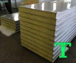 Tấm Panel Glasswool 3 lớp tôn nền dày 0.45mm + Glasswool 100mm 48kg/m3 + tôn 0.45mm