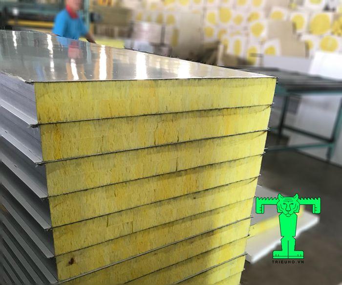 Tấm Panel Glasswool có các độ dày từ 50mm, 75mm, 100mm với các tải trọng