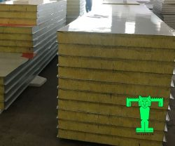 Tấm Panel Glasswool 3 lớp tôn nền dày 0.45mm + Glasswool 75mm 64kg/m3 + tôn 0.45mm