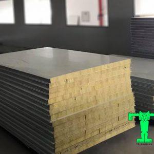 Tấm Panel Rockwool 3 lớp tôn nền dày 0.40mm + Rockwool 50mm 80kg/m3 + tôn 0.40mm