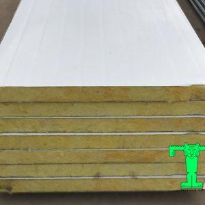 Tấm Panel Glasswool đúc sẵn 3 lớp tôn nền dày 0.45mm + Glasswool 50mm 48kg/m3 + tôn 0.45mm