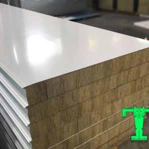 Tấm Panel Rockwool 3 lớp tôn nền dày 0.40mm + Rockwool 100mm 100kg/m3 + tôn 0.40mm