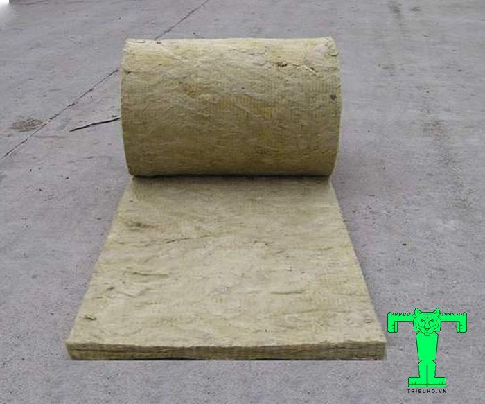 Rockwool không lưới tỷ trọng 80kg/m3 không có lưới này là dạng sợi bông. Nên nó có tính đàn hồi tốt, độ cứng cao