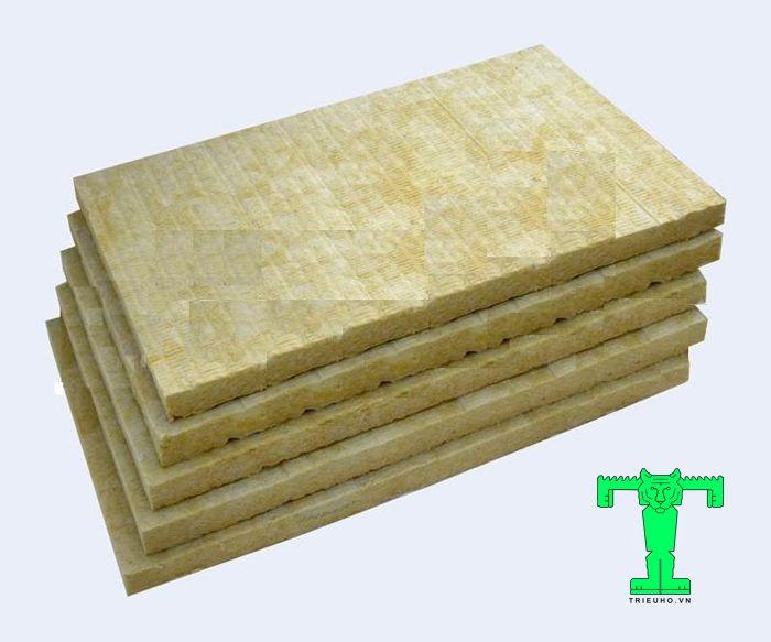 Rockwool dạng tấm tỷ trọng 100kg/m3 có khả năng cách nhiệt, giữ nhiệt CỰC tốt, cách âm, chống cháy cho công trình