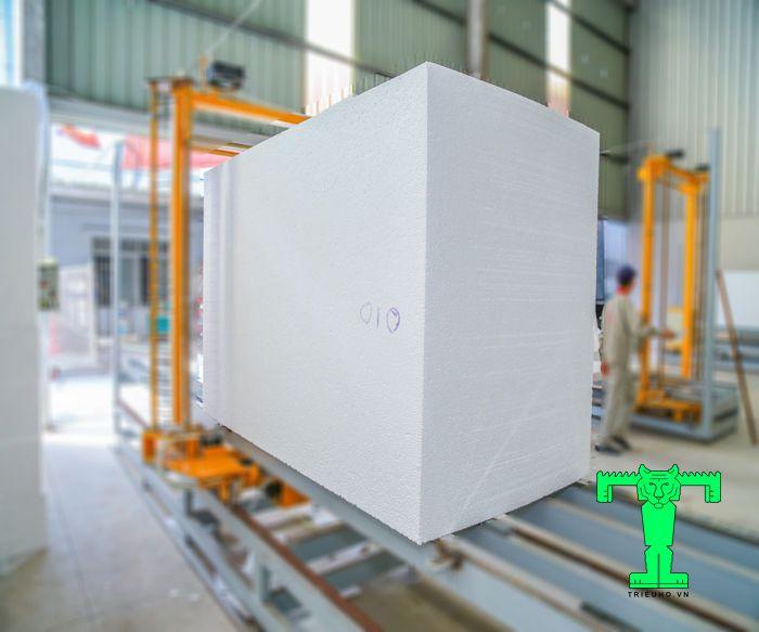 Tấm xốp cách nhiệt EPS 8kg/m3 có thể được cắt theo nhiều độ dày khác nhau
