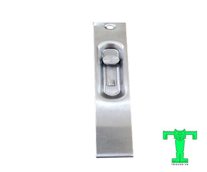 Chốt âm cửa có nhiệm giữ cố định chặt 1 cánh, cánh còn lại di động.