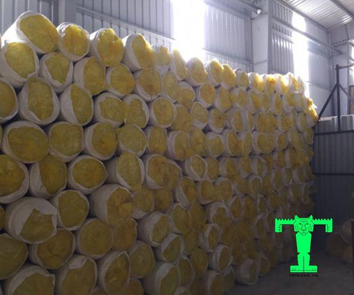 Bông thủy tinh 32kg/m3 dày 50mm có khả năng chống cháy, giảm rủi ro cháy nổ cao