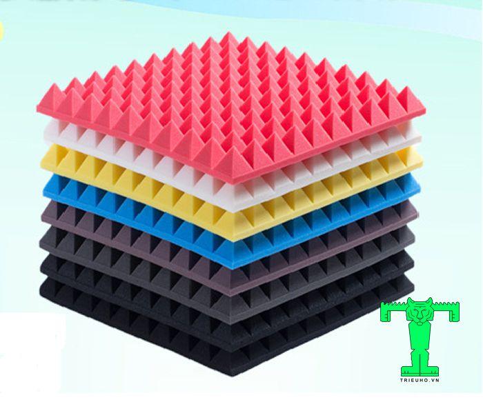 Mút tiêu âm có hình chóp kim tự tháp được sản xuất từ PE Foam xốp