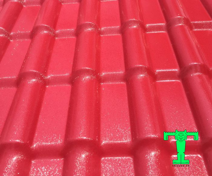 Ngói nhựa PVC có khổ rộng là 1070mm (hiệu dụng là 1000mm) độ dày 2mm.