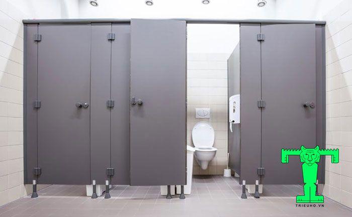 Tấm Compact HPL loại I sử dụng trong nhiều công trình xây dựng công trình nhà vệ sinh công cộng.