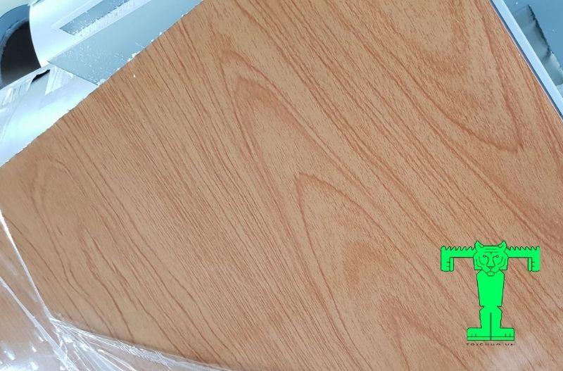 Trần tôn giả gỗ 3 lớp