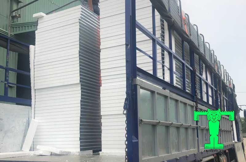 Triệu hổ cung cấp tấm panel kho lạnh eps