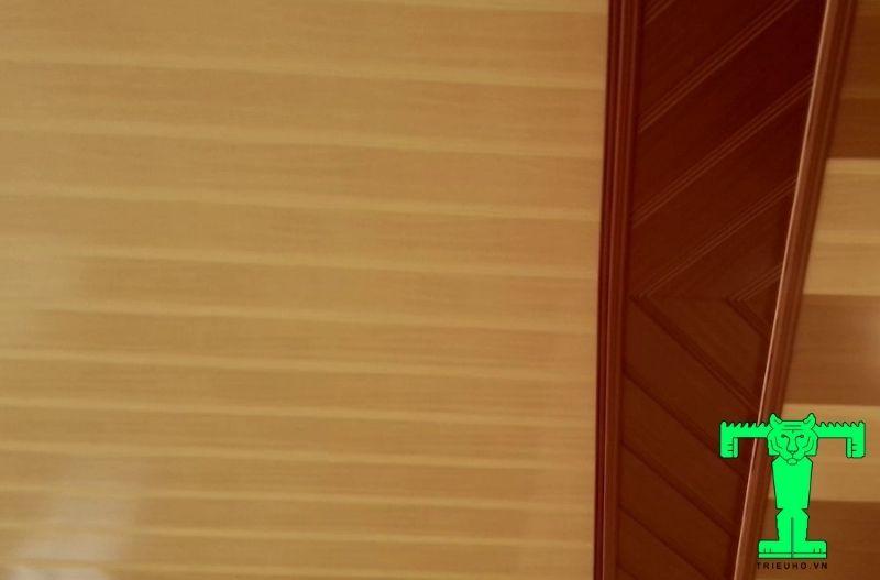 Mẫu 2- trần nhựa giả gỗ đẹp